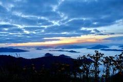 Wschód słońca w Phu Chi Fa obraz royalty free