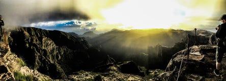 Wschód słońca w Pico De Ruivo Madera zdjęcia stock