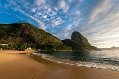 Wschód słońca w Rio De Janeiro z Sugarloaf górą fotografia royalty free