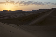 Wschód słońca w saharze, Maroko Maroko africa Zdjęcie Royalty Free