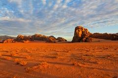 Wschód słońca w wadiego rumu pustyni, Jordania. Obraz Stock