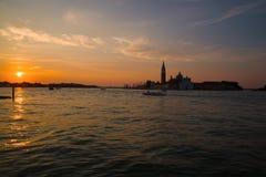 Wschód słońca w zatoce przegapia katedrę San Giorgio Maggiore San Marco włochy Wenecji Obrazy Stock