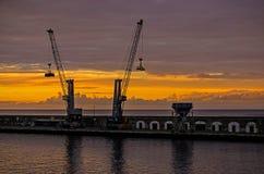 Wschód słońca za żurawiami Obrazy Stock