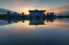 Wschód słońca za stalowym meczetem Fotografia Stock