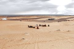 Wsch?d s?o?ca w zachodniej cz??ci sahara w Maroko obraz royalty free