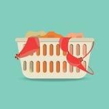 Wäschekorb mit Unterwäsche und schmutziger Kleidung Lizenzfreies Stockbild