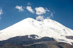 Wschodni i zachodni szczyty Elbrus Zdjęcie Stock