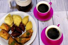 Wschodni Tureccy cukierki baklava i filiżanka kawy Obraz Royalty Free