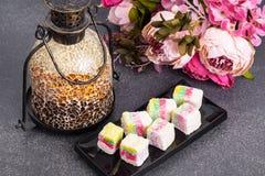 Wschodnich cukierków Turecki zachwyt w kolorów kokosowych układach scalonych Fotografia Stock