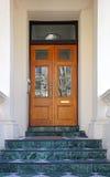 wschodnie drzwi budynków ludzi wpis klasztor jest Ukraine drewna Zdjęcia Stock