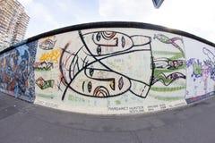 Wschodniej Części galeria - Uliczna sztuka i graffiti w Berlin, Niemcy Zdjęcia Stock