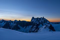 Wschodu słońca światło w Valle Blanche obrazy stock