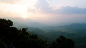 Wschodu słońca above szczyt w himalaje pasmie, Nepal Obrazy Stock