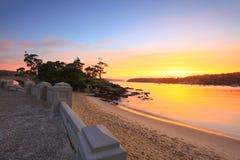 Wschodu słońca Balmoral plaży nadmorski przedmieście Sydney Australia obrazy stock