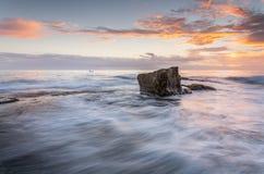 Wschodu słońca Turrimetta rockshelf północni przepływy Obrazy Royalty Free