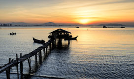 Wschodu słońca widok przy rybaka jetty Jelutong, Penang Malezja składu projekta elementu natury raj Obraz Royalty Free