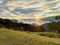 Wschodu słońca wzgórze fotografia stock