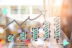 Wskaźnika wykres rynku papierów wartościowych wskaźnika pieniężna analiza na DOWODZONYM Fotografia Royalty Free