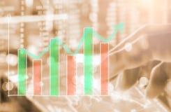 Wskaźnika wykres rynku papierów wartościowych wskaźnika pieniężna analiza na DOWODZONYM Fotografia Stock