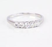 współczesny diamentowy pierścionek Obraz Stock