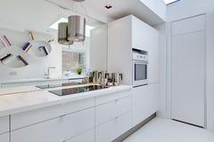 współczesny kuchenny minimalista zdjęcia royalty free