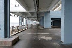 Współczesny miastowy widok z budynku tłem zdjęcie royalty free