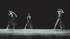 Współczesny taniec na sceny theatre obrazy royalty free