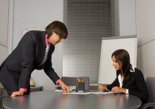 współczesny biznesmena spotkanie dwa Obraz Stock