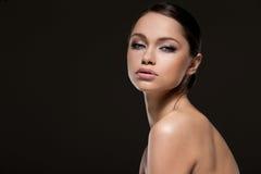Wspaniała dziewczyna z piękną twarzą fotografia royalty free