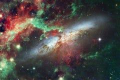 Wspaniała kolorowa mgławica gdzieś w niekończący się wszechświacie Elementy ten wizerunek meblujący NASA zdjęcie royalty free