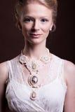 Wspaniała piękna kobieta w rocznika wiktoriański sukni Obraz Royalty Free