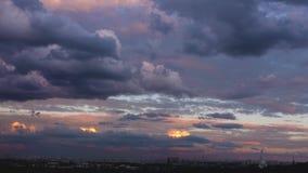 Wspaniałe chmury przy zmierzchem zbiory