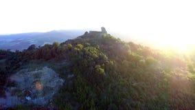 Wspaniały średniowieczny wierza Pietrarubbia kasztel zdjęcie wideo