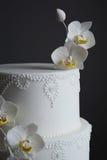 Wspaniały biały ślubny tort Fotografia Stock