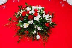 Wspaniały bukiet ranunclus, anemon i tulipan zdjęcia royalty free