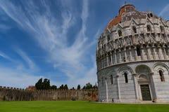 Wspaniały dzienny widok przy Pisa Baptistery St John wielki baptistery w Włochy, w kwadracie cudu piazza dei Obrazy Royalty Free
