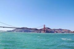 Wspaniały Golden Gate Bridge na niebieskiego nieba tle 2008 9 Kwietnia Francisco części Kalifornii demonstracji protestujących ol Fotografia Royalty Free