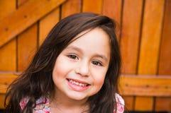 Wspaniały młody brunetki dziewczyny zbliżenia headshot Fotografia Royalty Free