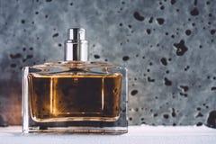 wspaniały pachnidła perfumowanie, luxe wakacyjny prezent zdjęcie royalty free