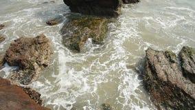 Wspaniały widok Wysokiego morza przypływu spadać zdjęcie wideo