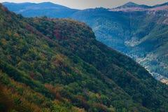 Wspaniała kolorowa góra w jesieni Zdjęcie Royalty Free