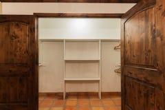 wspaniały spacer w szafie Zdjęcie Stock