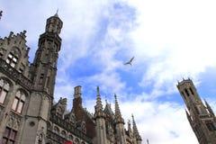 Wspaniali budynki górują Bruges Belgia Obrazy Royalty Free