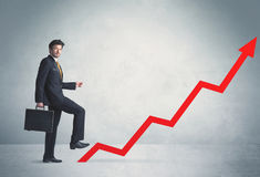 Wspinać się na czerwonej wykres strzała Zdjęcia Stock