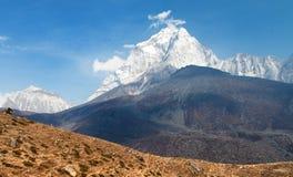 Wspina się Ama Dablam na sposobie Wspinać się Everest Podstawowego obóz Obrazy Stock