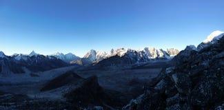Wspina się Ama Dablam przy świtem od Kala Patthar, Gorak Shep, Everest Podstawowego obozu wędrówka, Nepal Obrazy Stock