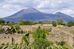 Wspina się Vesuvius widzieć od Scavi di Pompeii jak, Włochy Fotografia Royalty Free