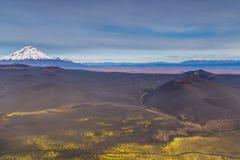 Wspina si? Bolshaya Udina, powulkaniczny masywny, jeden powulkaniczny kompleks na Kamchatka, Rosja zdjęcia stock