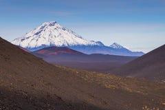 Wspina si? Bolshaya Udina, powulkaniczny masywny, jeden powulkaniczny kompleks na Kamchatka, Rosja obraz royalty free