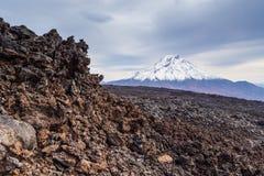 Wspina si? Bolshaya Udina, powulkaniczny masywny, jeden powulkaniczny kompleks na Kamchatka, Rosja zdjęcie royalty free